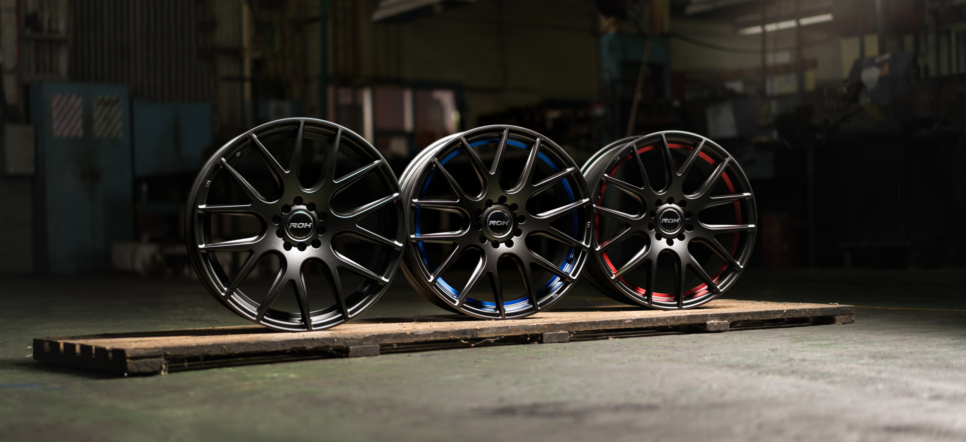 Evo R wheels in all colours on wooden bench
