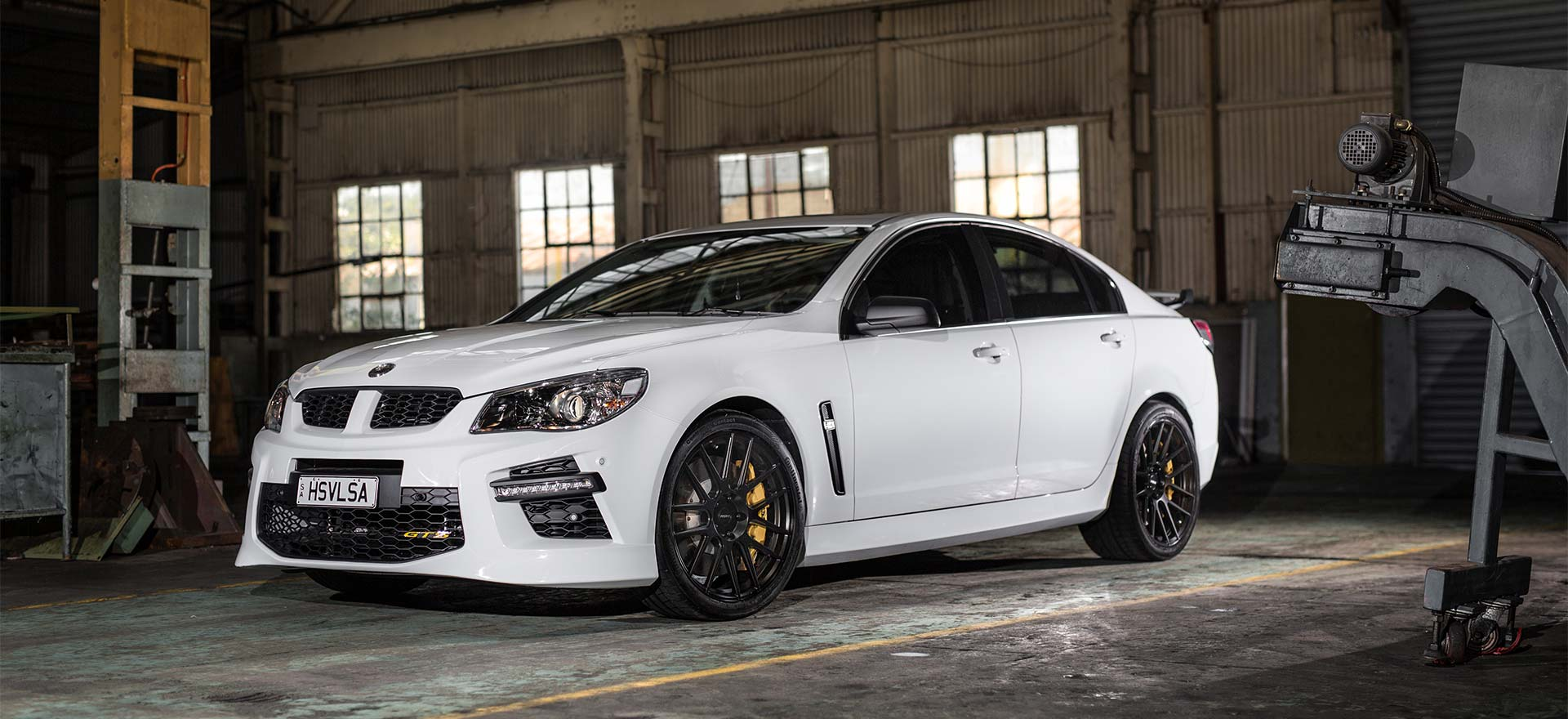 RF1 Flow forged rims on HSV GTS