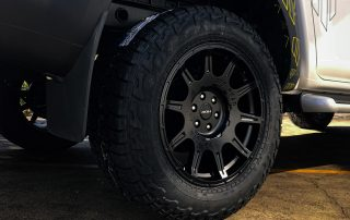 ROH Flow forged 4x4 wheel on Whiteline Navara close up