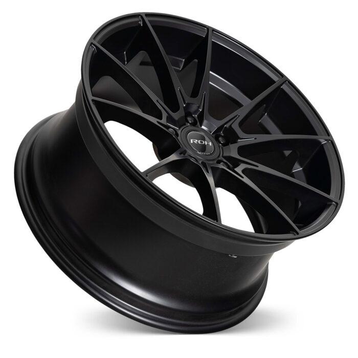 Pursuit black alloy wheel on concave angle