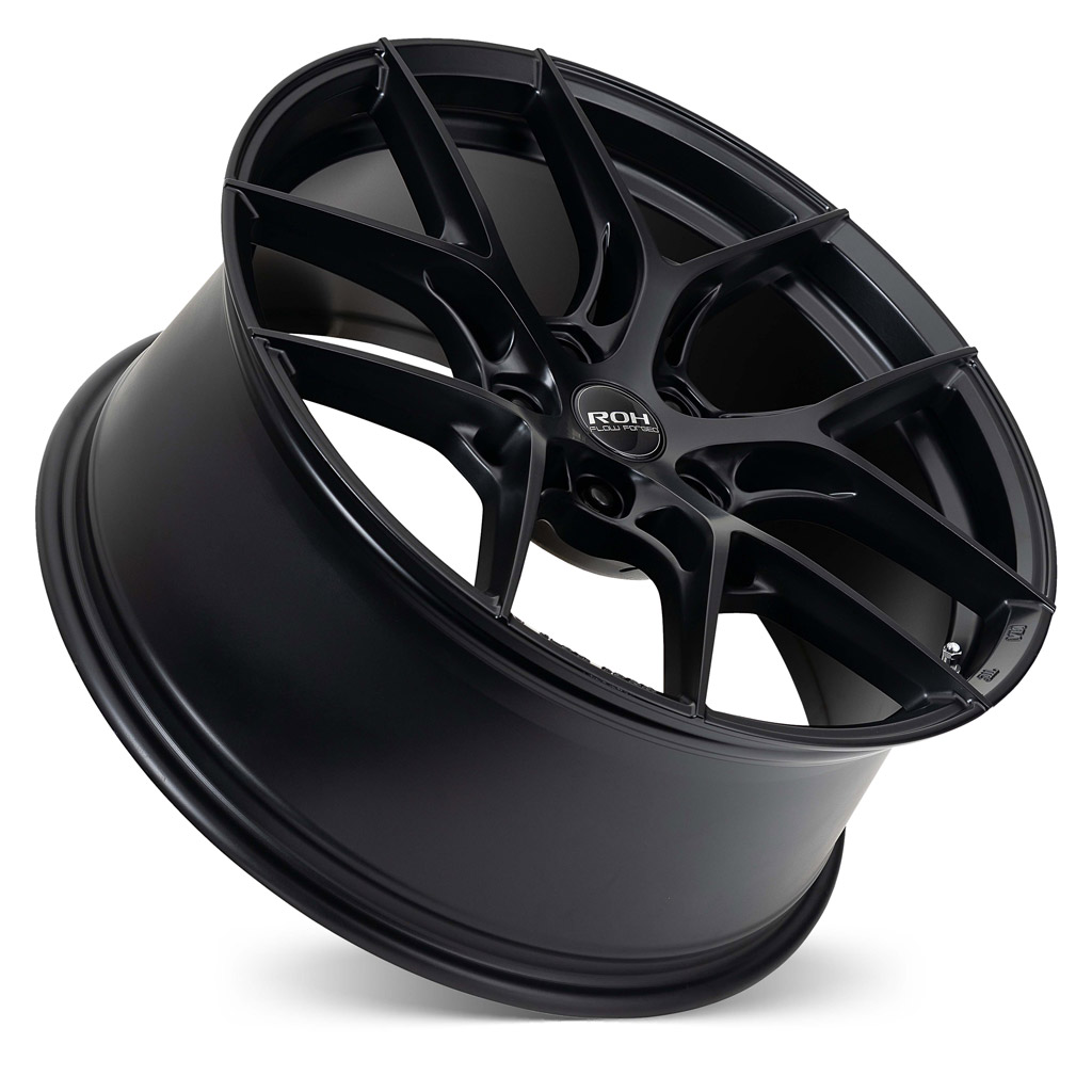 RF6 black flow forged alloy wheel on concave angle