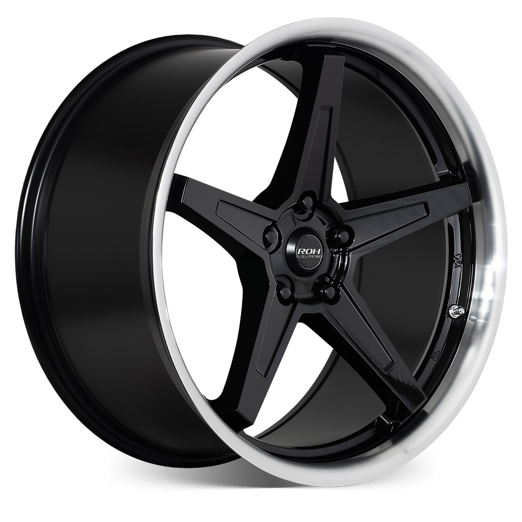 RF5 black machined lip flow forged wheel on more angle